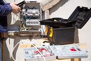 électricien qui travaille